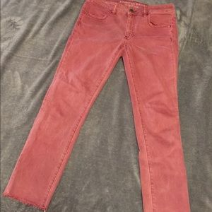 America Eagle red cropped jeans